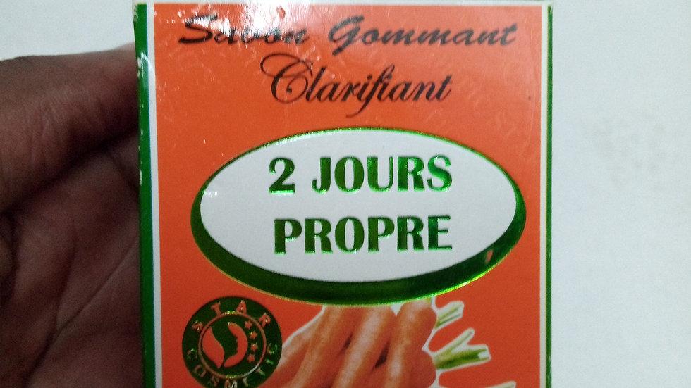 Savon gommant 2 jours propre ( riche en extrait de carottes)