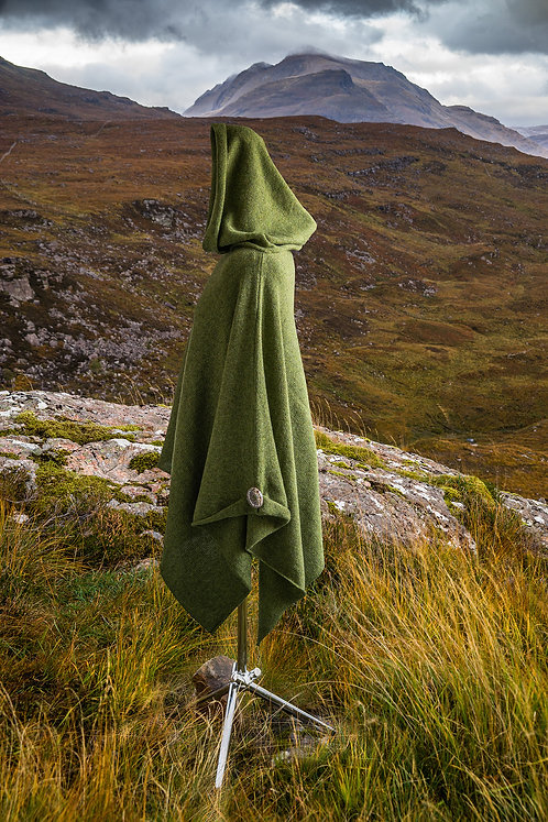 Green Hooded lambswool asymmetric women's poncho