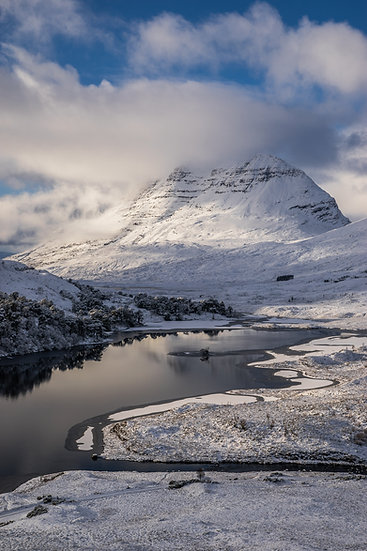 Liathach 'The Grey One' looking more 'The White One'