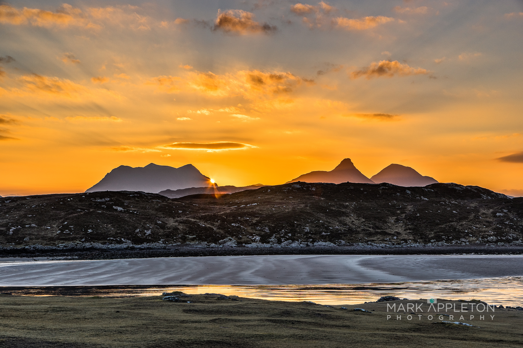 Sunrise over Stach Pollaidh