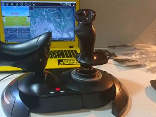 Pilotar un dron con un joystick o gamepad.