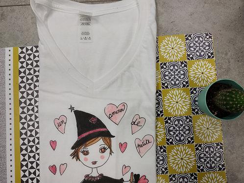 """Tee-shirt Femme """"Un amour de petite sorcière"""""""