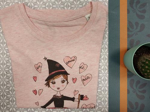 """Tee shirt enfant rose ou blanc """"Un amour de petite sorcière"""""""