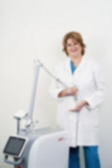 dermatolog beograd, uklanjanje mladeža, dermatolog, urasli nokat, skin laser treatment, akne, psorijaza lečenje, fleke na koži, bubuljice, lipoliza, laser anti ageing, dermatološka klinika, lifting lica