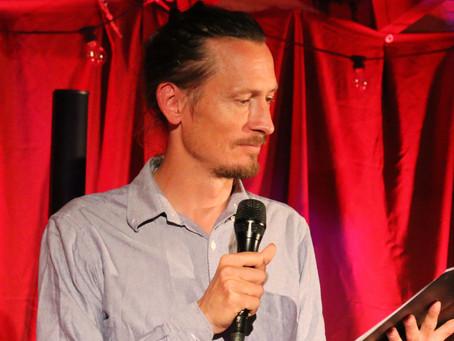 Jantelagen lös med sin frånvaro, intervju med Simon Forsman.