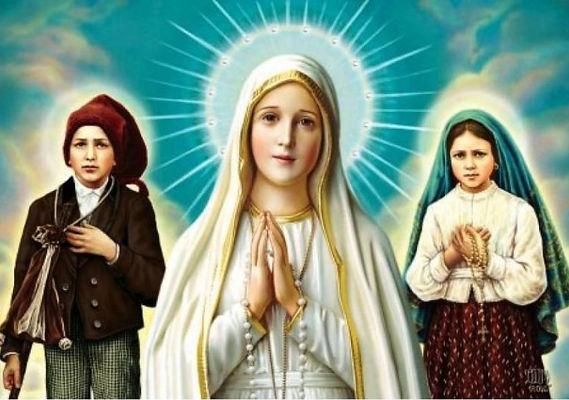 La Virgen de Fátima con los tres pastorcitos