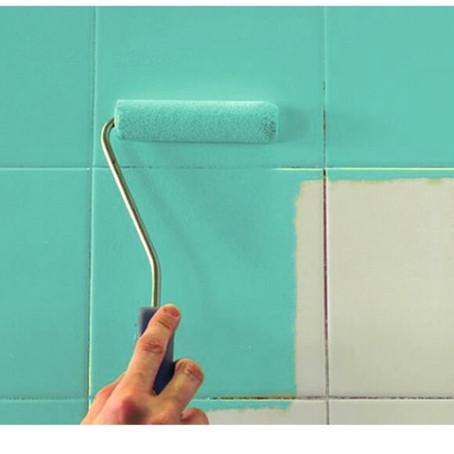 Alternativas para troca de superfícies: pintura no azulejo