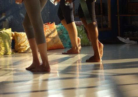aula-danca-vila-mariana-al-qamar-pes