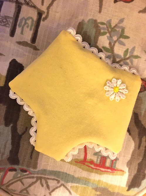 Marilyn sachet in buttercup yellow