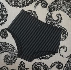 Tilda in grey/black stripe