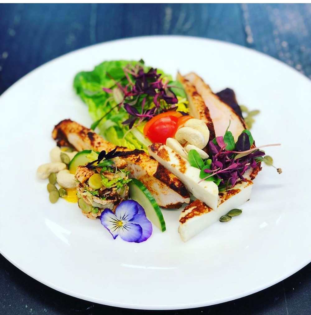 Pictured, is a NutriBox peri peri chicken and halloumi salad. Transformed from box to plate, take out or eat in, the standards are the same, the ingredients are the same, but you might just discover yourself a little diamond in the rough if you choose to eat in at NutriBox.