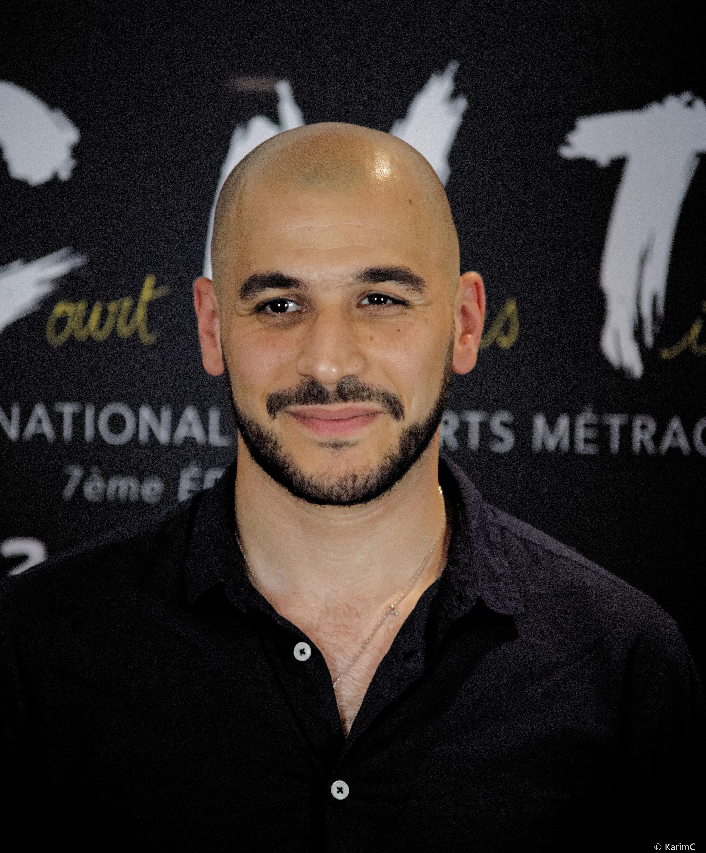 Mehdi Djaadi - Le Court Nous Tient