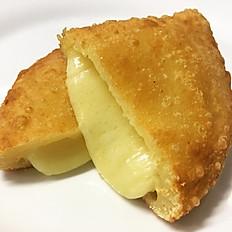 Pastel frito de queijo