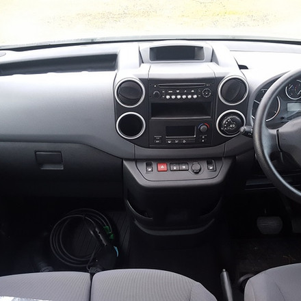 Peugeot Partner EV Van - By eco-cars.net