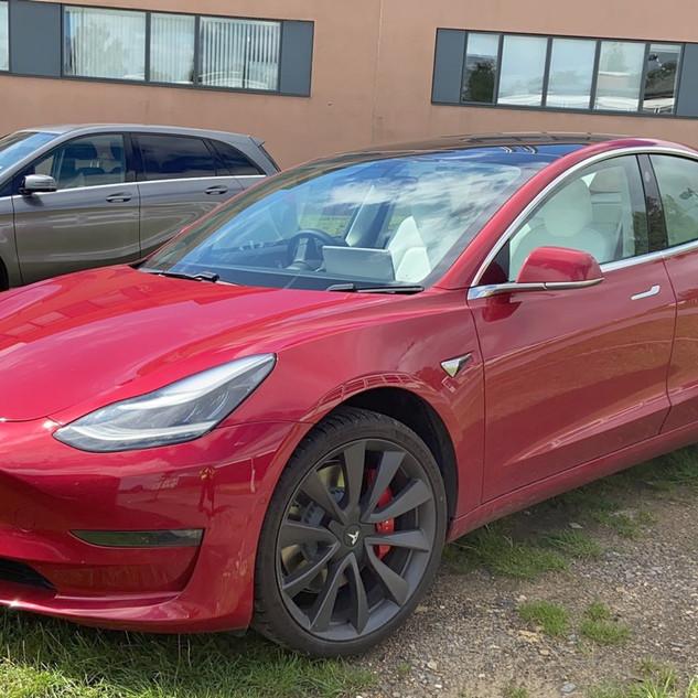 Tesla Model 3 - By @OxonEVs
