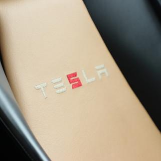 00013. Tesla Roadster2.5 2011 -  e-carst