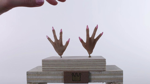 Evelyn Hands