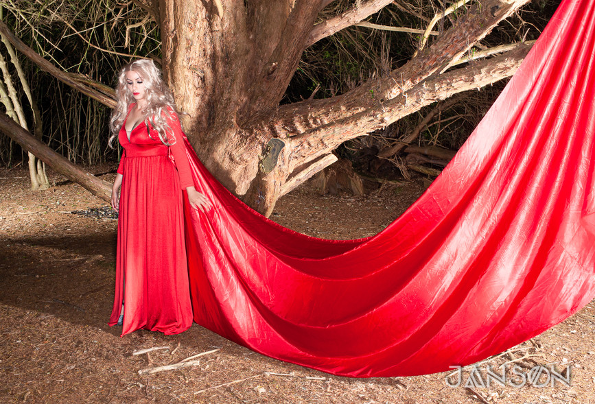 Injee Forest Witch-2437-2.jpg