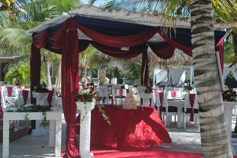 wedding reception by the poolside
