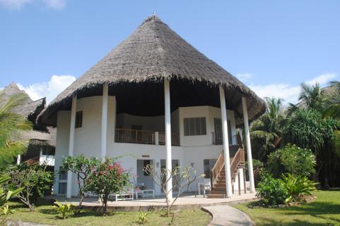 villas kola beach mambrui