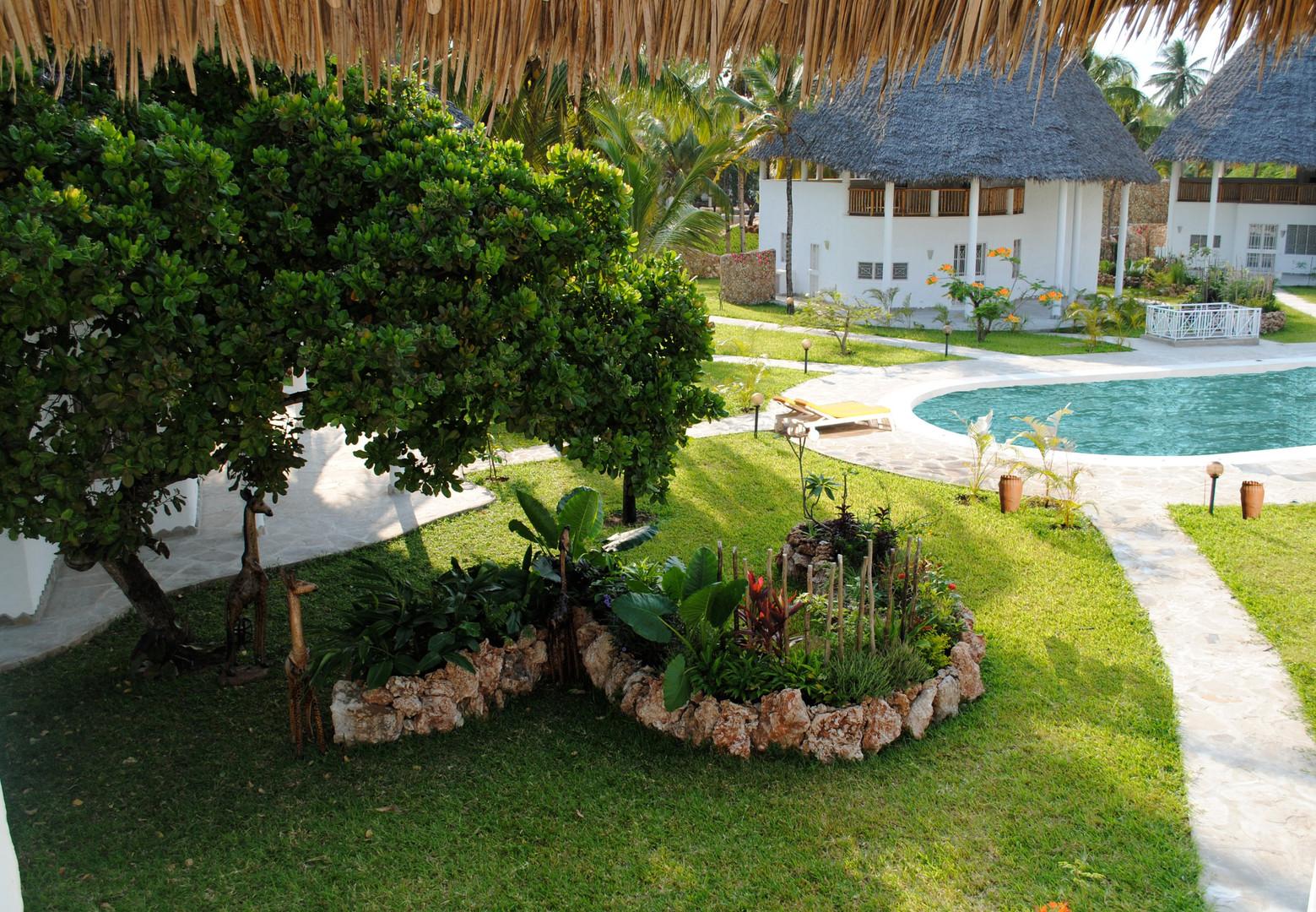 8 villas area kola beach resort mambrui