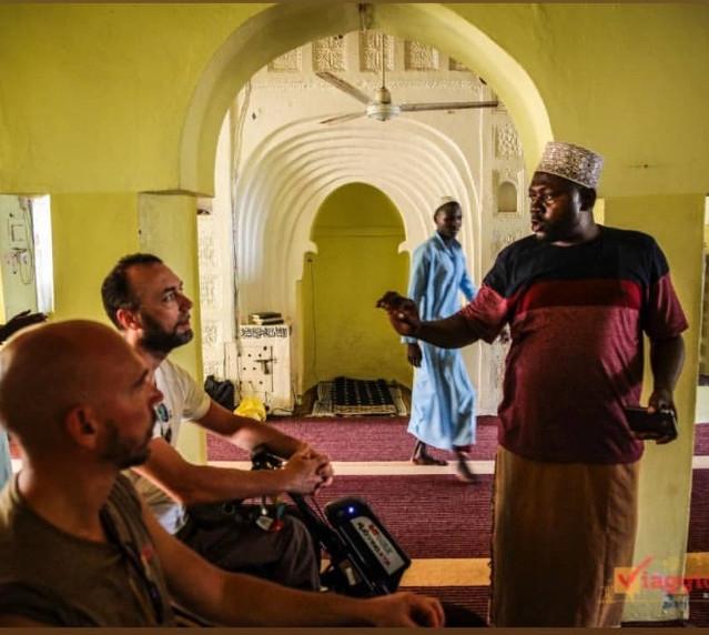 Visita di Danilo e Luca di Viaggio Italia nella principale Moschea di Mambrui