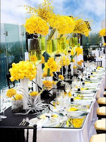 wedding-tablescape-modern-gorgeous-yellow-centerpieces.jpg
