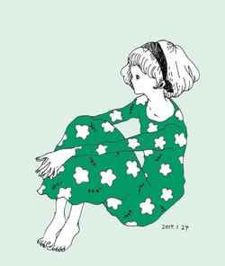 緑のワンピースの女の子