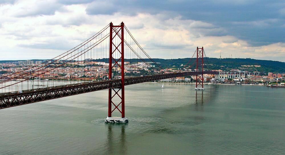Мост 25 апреля. Фото François Philipp