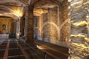Человеческие кости в Португалии ждут вас