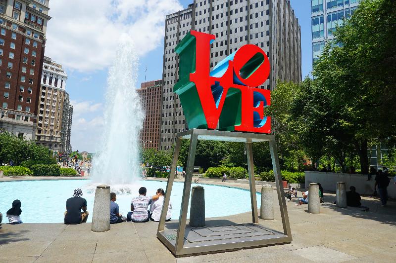 Площадь Любви в Филадельфии, Пенсильвания, США. Фото Be a Voyager (c)