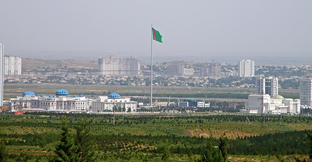 Флагшток высотой 133 метра в Ашхабаде