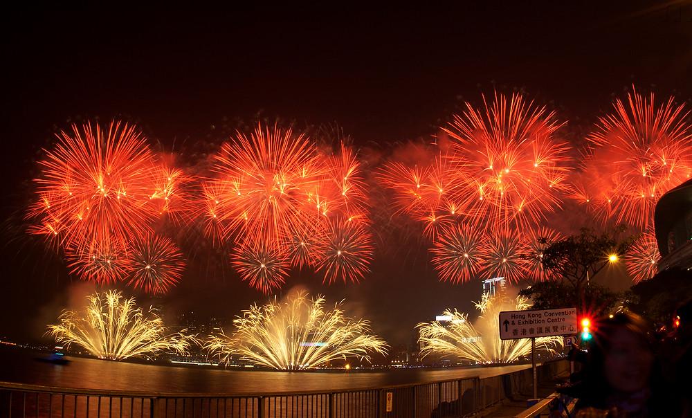 Фейерверк на китайский новый год в Гонконге