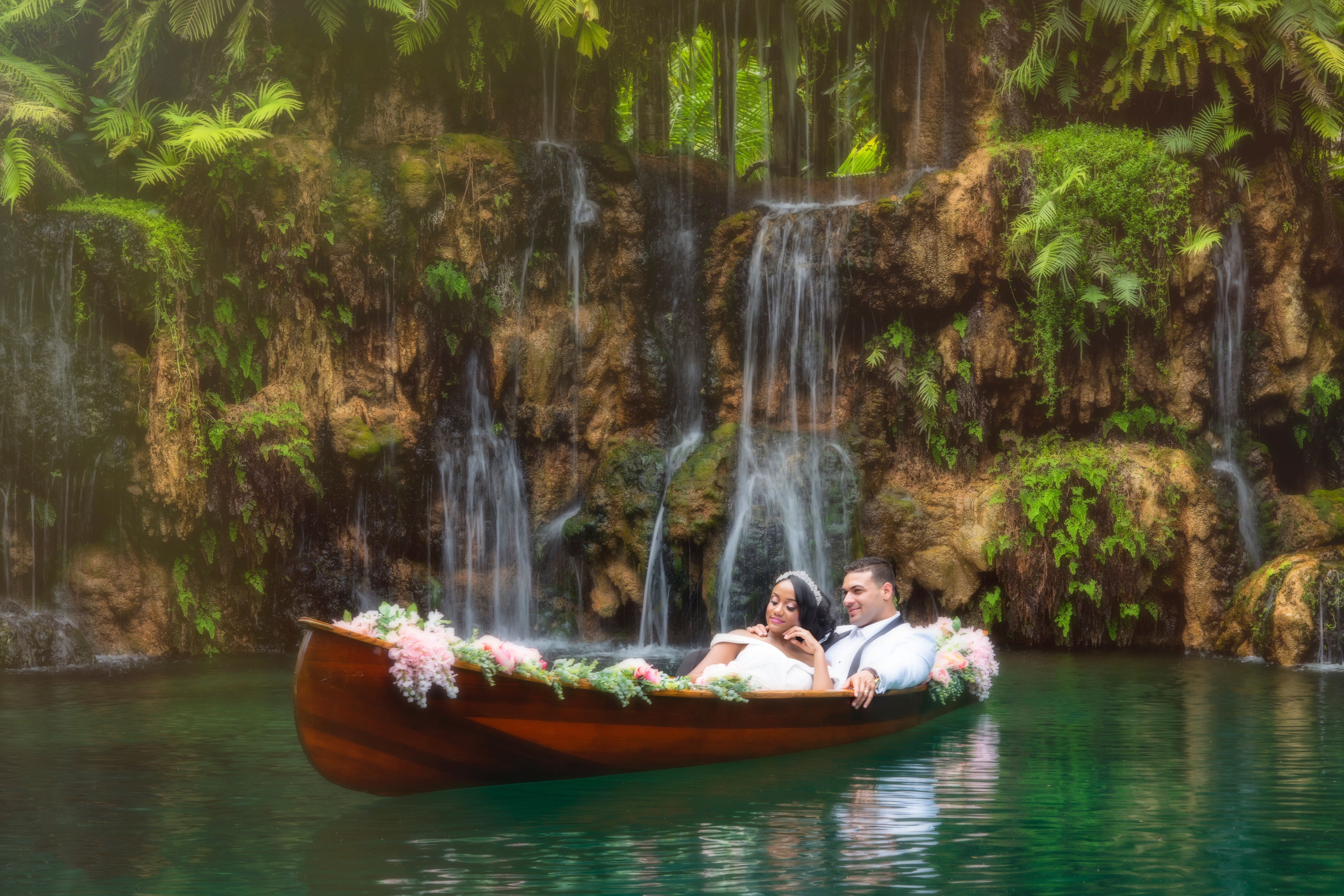 wedding photography in a canoe