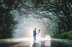 wedding picture under the rain
