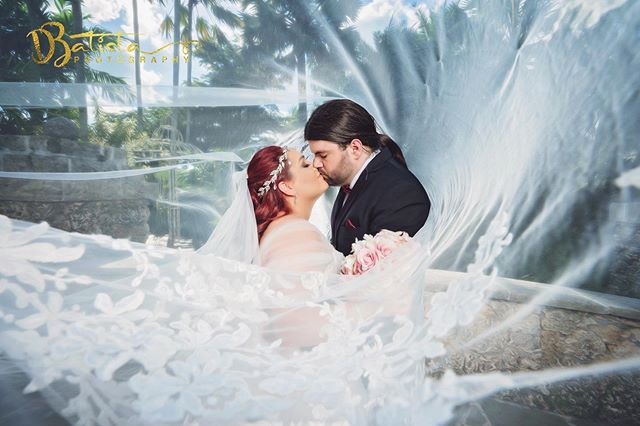 Kiss 💋 Inside the veil  @thesecretgarde
