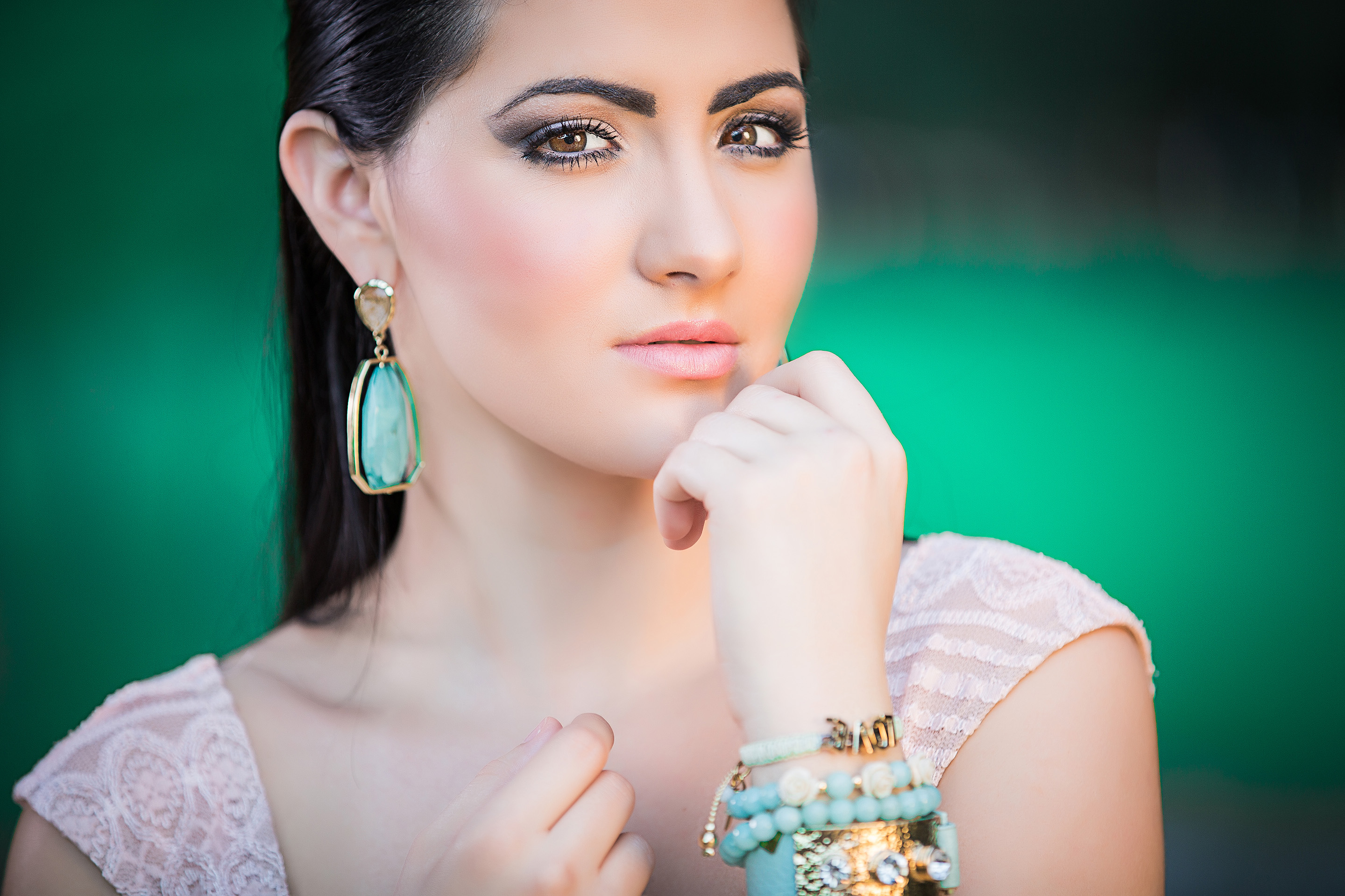 DBatista Photography-Jewerly-Photography Close UP-Pretty Model .jpg