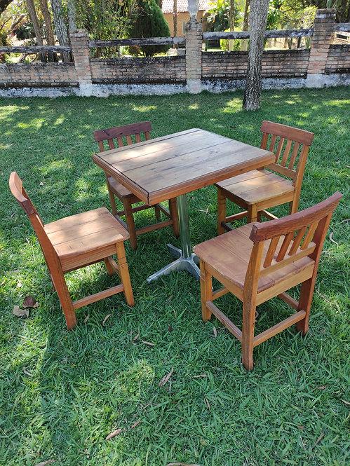 Jogo de madeira c/mesa + 4 cadeiras