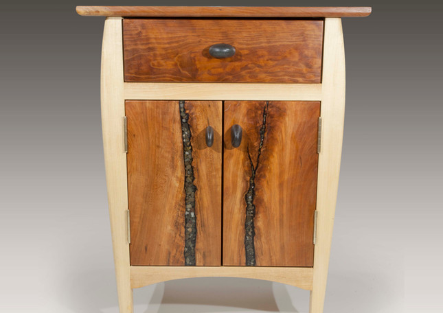 Bedside cabinet (nightstand)