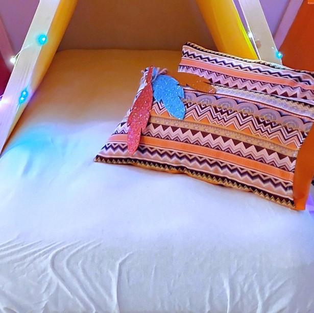מזרן שינה  מתנפח כולל סדין לבן לכל אוהל
