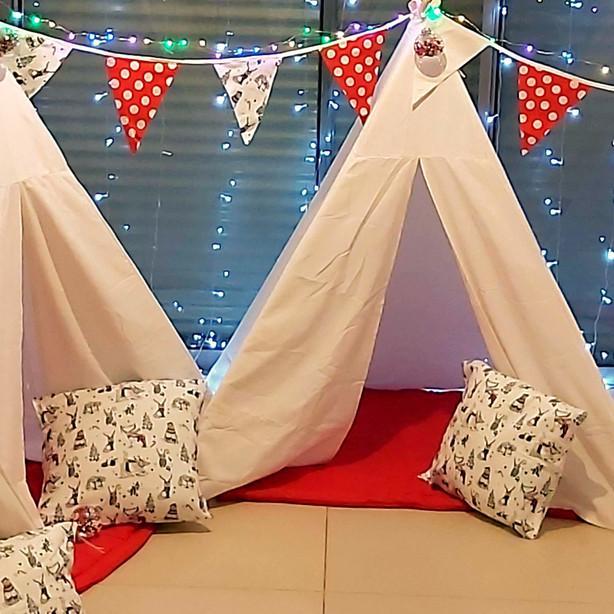 אוהלים למסיבת פיג'מות