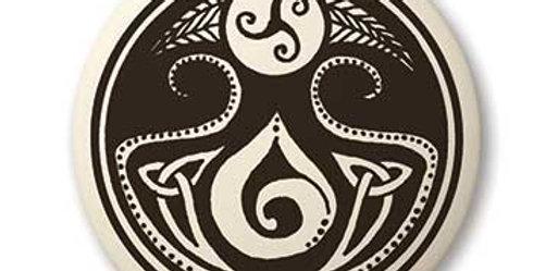 Cerridwen: Round Celtic Pendant