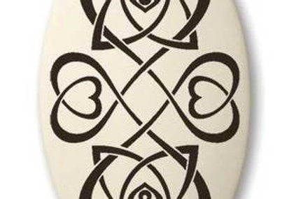 Heart: Oval Celtic Pendant