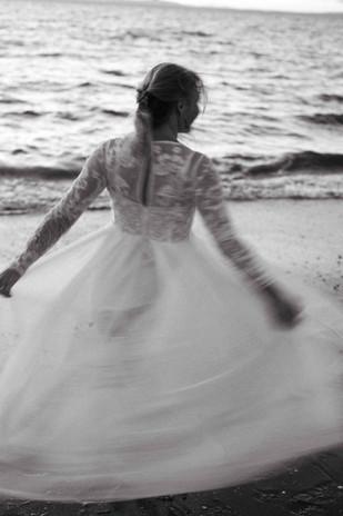 119.09.21 Beach Bride - Regenweibchen Photography-108.jpeg