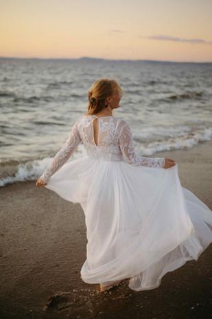 119.09.21 Beach Bride - Regenweibchen Photography-127.jpeg