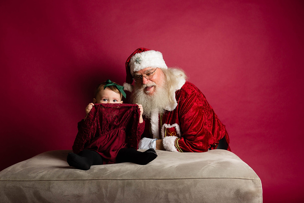 baby girl, Santa, peekaboo with Santa, Santa mini sessions 2019