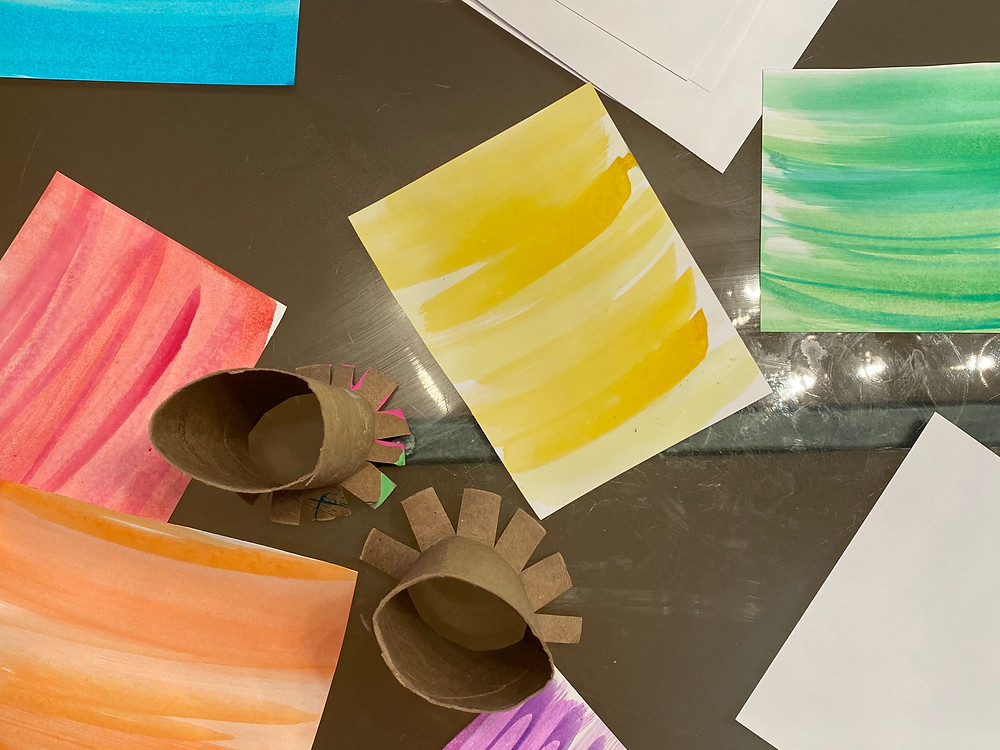 paint with toilet paper rolls