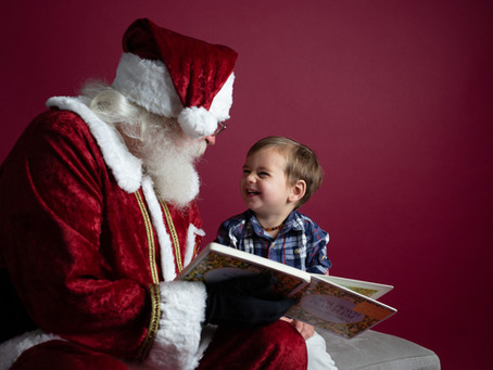 Santa Mini Sessions are Here! | Mary Bea Photography