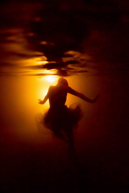 backlit underwater image, glow