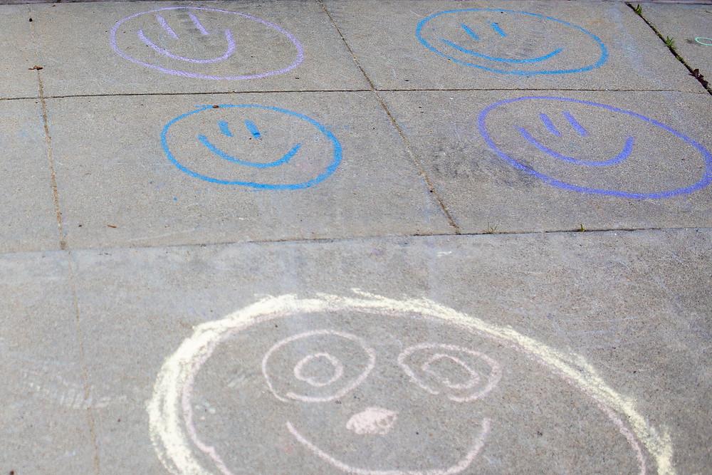 smiley face chalk art, San Jose